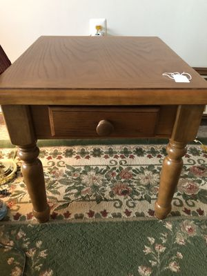 End table with drawer for Sale in Advance Mills, VA