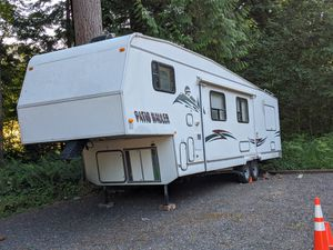 Toy Hauler Patio Hauler RV 5th Wheel for Sale in Snohomish, WA