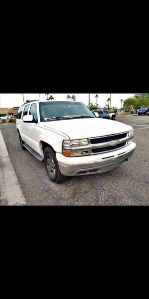 4X4 Truck! *LOW MILES* 2004 Chevy Suburban! LT! LOADED. Sunroof/DVD - (Similar to Yukon Tahoe expedition) for Sale in Phoenix, AZ