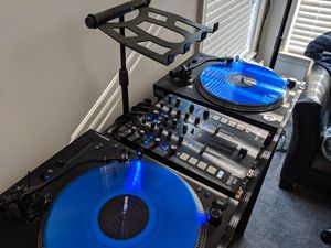 Mixars Turntables And Mixer Prefect Condition for Sale in Waldorf, MD