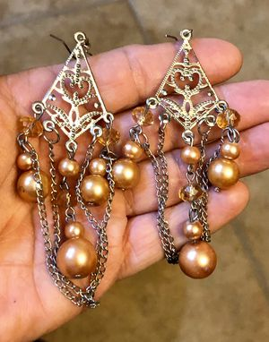 """Gorgeous long ornate silver tone earring with pearl beads and crystals. Earrings are 4"""" long. for Sale in Tolleson, AZ"""
