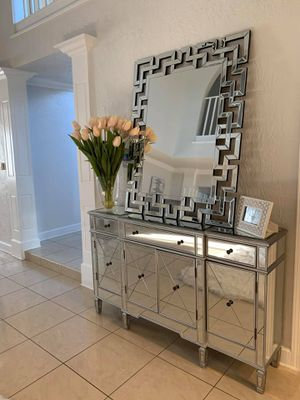 MIRRORED COLLECTION CONSOLE TABLE WITH MIRROR BRAND NEW IN BOX for Sale in Chino, CA