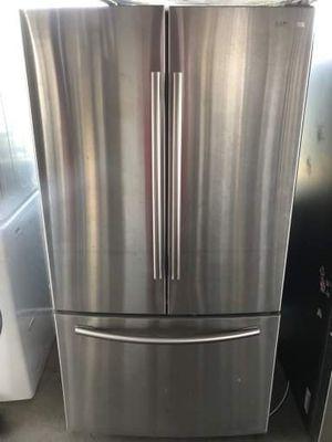 "Refrigerator Samsung 36""W, B for Sale in Los Angeles, CA"