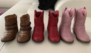 Beautiful boots for toddler girls size 6 for Sale in Kissimmee, FL