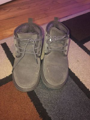 Grey men uggs size 9.5 for Sale in Pittsburgh, PA