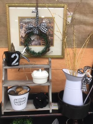 Farmhouse Country Style Furniture and Enamelware, Crocks & Wall Decor for Sale in Beckett Ridge, OH