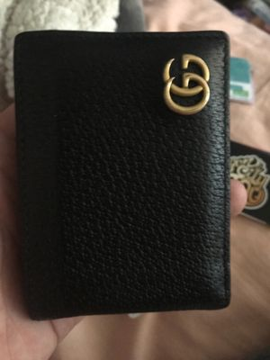 Gucci wallet $210 or obo I'll except some trades they have to be interesting. for Sale in Portland, OR