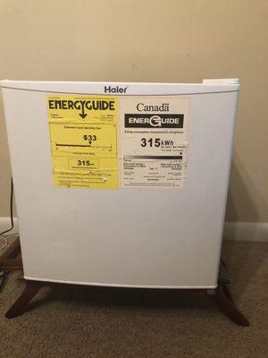 Haier 1.8 Cu Ft Single Door Refrigerator, white color for Sale in Nashville, TN