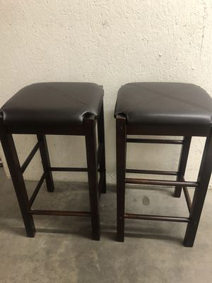 Set of 2 Chairs 💕💕 13x13 H24 for Sale in Las Vegas, NV