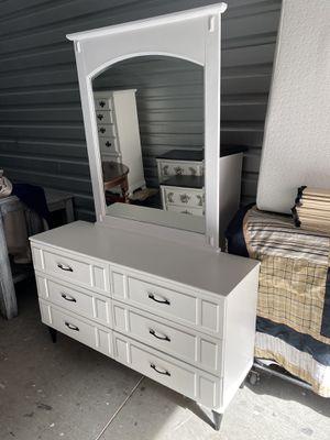 Elegant antique vintage white color drawers dresser furniture frame mirror for Sale in Lake Elsinore, CA