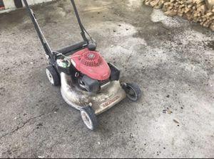 Honda lawn mower for Sale in Lehigh Acres, FL