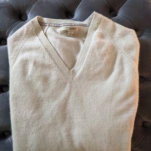 Cashmere burberry Sweater XL for Sale in Atlanta, GA