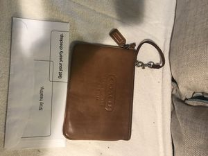 Coach Leather Wristlet (authentic) for Sale in Lincolnia, VA