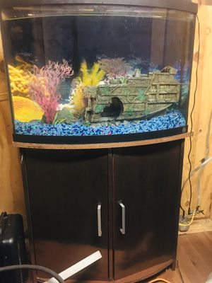 Fish tank with accessories for Sale in Smoke Rise, GA