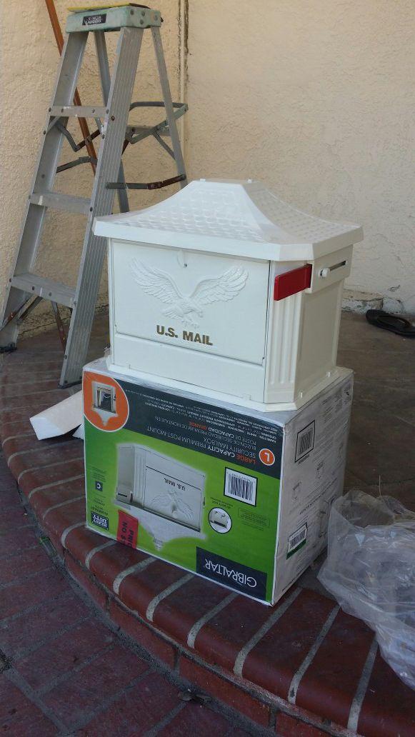 Gibraltar Mailboxes Hamilton White Locking Aluminum Large Post-Mount  Mailbox for Sale in Garden Grove, CA - OfferUp