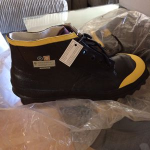 Heavy Duty Size 9 Weather Work Boots for Sale in Fort Lauderdale, FL