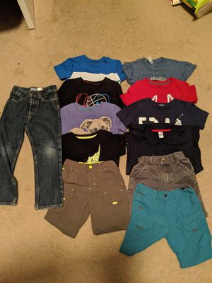 Boy Clothes size 4 (12 pieces) good condition $10 for Sale in Victorville, CA