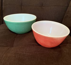 2 Pyrex Primary Colors Mixing Bowls for Sale in Vienna, VA
