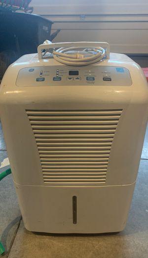 GE dehumidifier 70pint for Sale in Battle Ground, WA