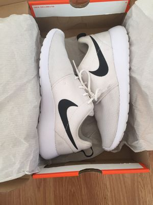 White Nike's Tennis Shoes Size 8 Women for Sale in Los Angeles, CA
