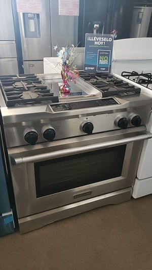 "KitchenAid 36"" Slide-in Stove with Grillete for Sale in Fontana, CA"