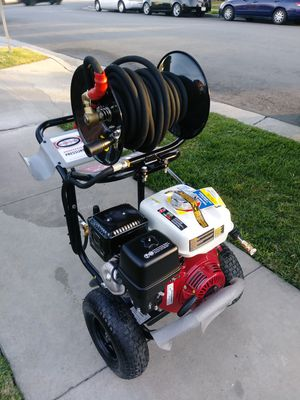 HONDA COMMERCIAL PRESSURE WASHER for Sale in Lynwood, CA