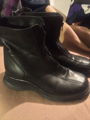 Leather Womens black boots size 7.5 for Sale in Goodyear, AZ