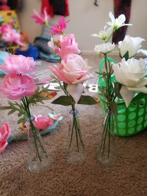 Fake flower in vase for Sale in Henderson, NV