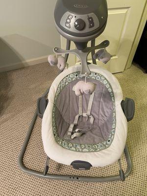 Graco baby swing for Sale in Atlanta, GA