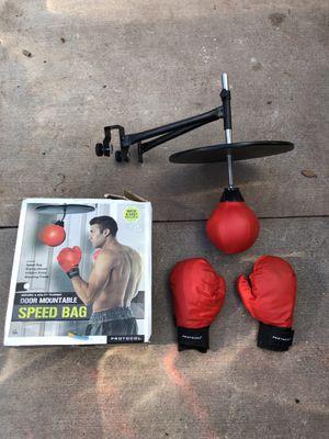 New door mountable speed bag for Sale in Miami, FL
