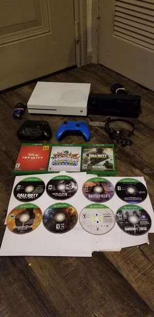 Xbox One 1Tb + 2 Controller's + 11 Games + Kinect + Headphone + HDMI Cable. for Sale in Austin, TX