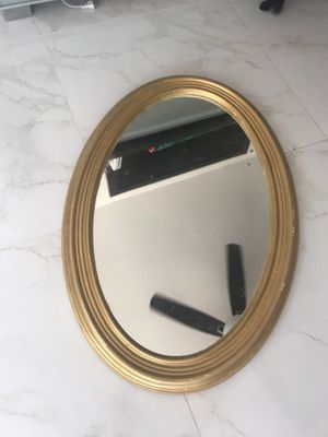 Wall mirror, no cracks or scratches for Sale in Miami, FL