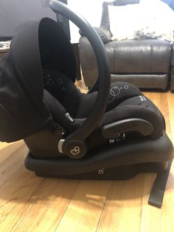 Maxi Cosi Infant Car Seat for Sale in Kearny,  NJ