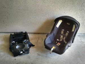 Chicco Car Seat and Mount for Sale in Denver, CO