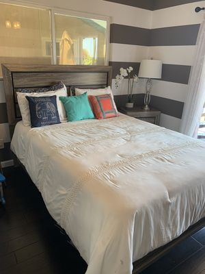 Queen bedroom set for sale $300 excellent condition for Sale in San Diego, CA