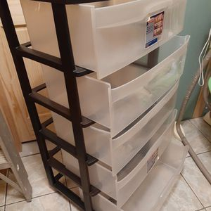 5 DRAWERS STORAGE CONTAINER for Sale in Bellflower, CA