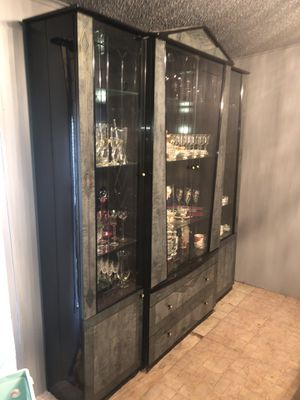 Dining table, china cabinet for Sale in Davie, FL