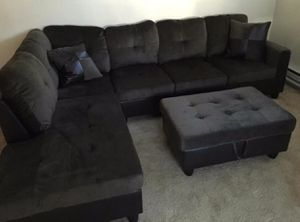 New gray microfiber sectional couch with storage ottoman for Sale in Renton, WA