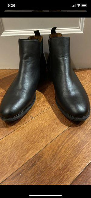 Also men's size 13 ankle boots in excellent condition for Sale in Everett, WA