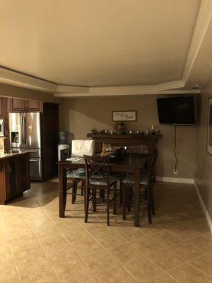 Dining room table for Sale in Oroville, CA