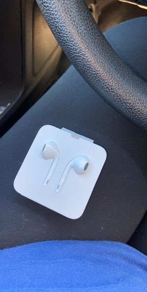 iphone 7-11 head phones for Sale in Cape Girardeau, MO
