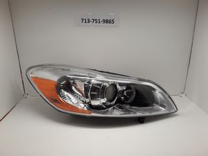 2011-2013 Volvo C30 right HID headlight for Sale in Houston, TX
