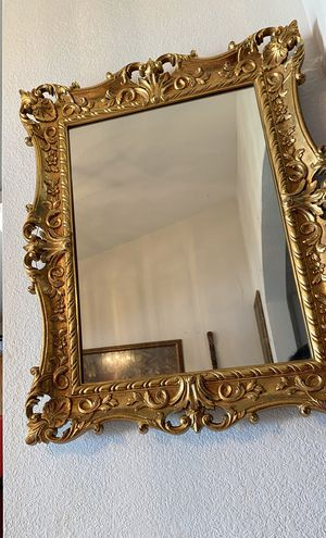 Nice mirror for Sale in Kissimmee, FL
