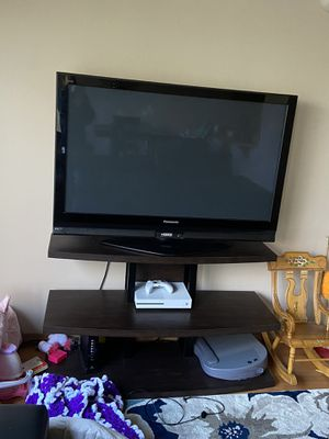 Stand and tv for Sale in Monroe, WA