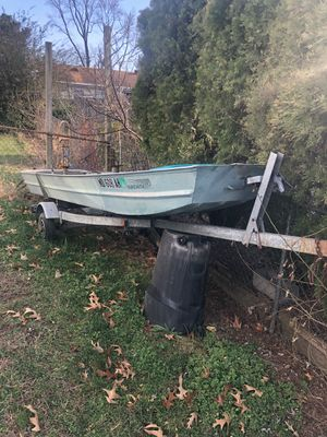 Fishing Jon boat aluminum 14' and trailer for Sale in Alexandria, VA