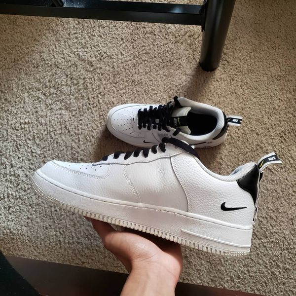 Air force one size 9 'overbranding'