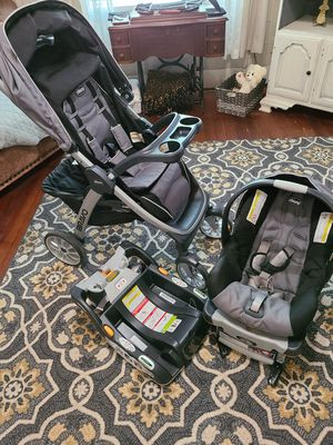 Chicco KeyFit30 Travel System for Sale in Abilene, TX