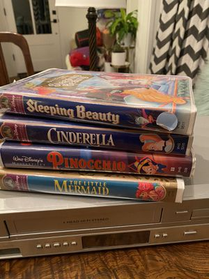 Phillips VHS/DVD Player w/ Disney Classics VHS for Sale in Portland, OR