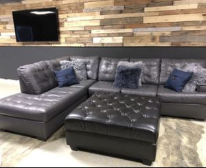 Grey sectional with black ottoman for Sale in Wildomar, CA
