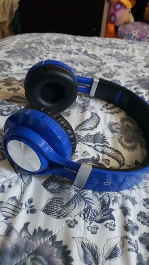 Bluetooth headphones color blue for Sale in Oakland, CA
